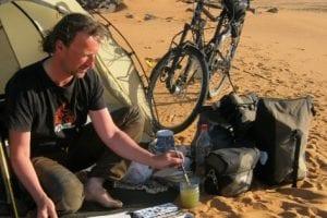 Veranstaltung mit Jens Hübner – In 800 Tagen um die Welt mit Fahrrad, Zelt und Zeichenblock